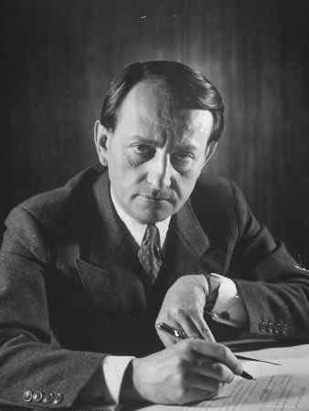 Andre Malraux, Filmmaker and Novelist Produced by Fred Vidal Cousin General Corniglion-Molinier.