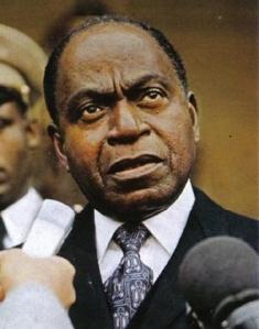 Ministre d'Etat de De Gaulle puis Président de la Côte d'Ivoire, Félix Houphouët-Boigny a été le symbole du binationalisme en France