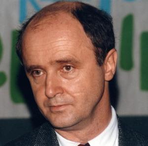 Brice Lalonde est un grand ministre dans l'histoire de la Ve République mais il fut d'abord un grand militant de l'Ecologie mais aussi de la réforme administrative.