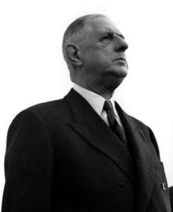 Charles de Gaulle, le rempart contre l'oportunisme politique et les calomnies. Je m'en servirai.