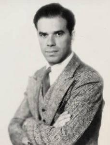 Frank Capra is the novelist of the screen in the 30's of our America. He signed so much interesting images and sounds.