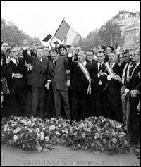 Manifestation du 30 mai 1968 : Debré et Malaraux au secours du Général mais le Général s'appelait la France et la France apprécia.