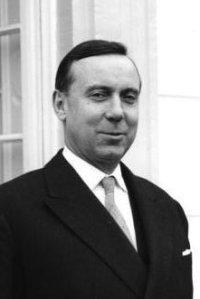 Deutsch: Michel Debré (1912–1996), Französischer Premierminister von 1959 bis 1962 zu Besuch in Bonn, aufgenommen am 7. Oktober 1960. By Wegmann, Ludwig.