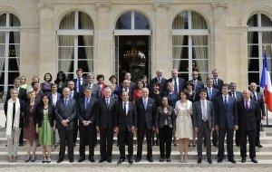 Le Gouvernemen de Jean-Marc Ayrault, deuxième du nom, est à l'épreuve de l'été, une saison de transition et de préparation de la rentrée.