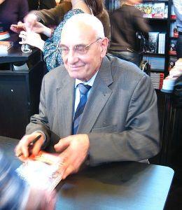 Max Gallo, un grand nom de la Science Historique à la française qui est né à Nice et s'est illustré dans notre capitale à Paris.