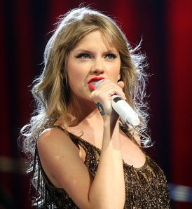 Taylor Swift is the singer I want to be Vice-President when I will be President of the United States. For now, I call or send an email to her record company (or management). Cheers.