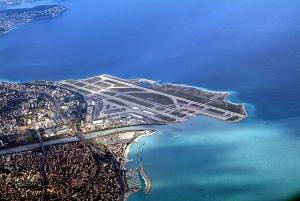 L'aéroport de Nice et sa gestion catastrophique accuse la Chambre de Commerc e de Nice et le Conseil général de Ciotti ainsi que leurs liens politiques avec l'UMP. Une ville de Nice vraiment trop chère et trop malignement politique.