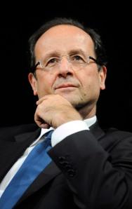 François Hollande photographié par Jean-Marc Ayrault, une sérénité de socialisme et de présidence. Les français sont rassurés.