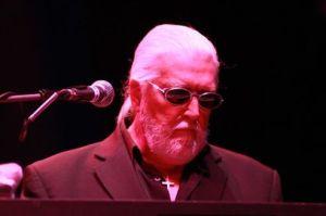 Le cofondateur du groupe de rock Deep Purple est mort des suites d'un cancer du pancréas à l'âge de 71 ans.