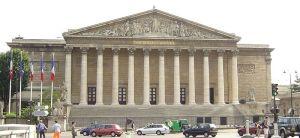 L'Assemblée nationale inspire le principe d'un pouvoir d'Assemblée à l'origine d'un possible nouveau régime Constitutionnel.