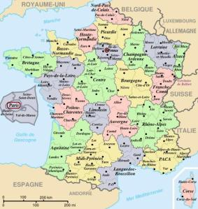 The 22 regions and 96 departments of metropolitan France includes Corsica (Corse, lower right). Paris area is expanded (inset at left).