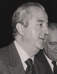 Edouard Balladur and Raymond Barre, who have both been Prime Ministers of France, at the World Economic Forum in 1987.