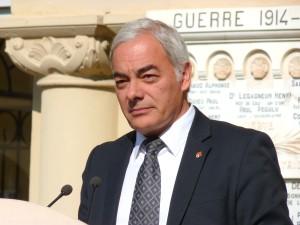 Patrick Allemand lors de la commémoration du centenaire du Lycée Carnot, à Cannes.