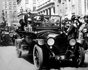 753px-Einstein_in_NY_1921