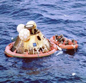 Apollo 11 Splashdown_3