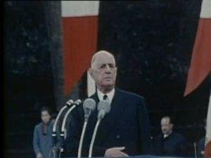 De Gasulle serait pour l'article additionnel a la Constitution qu'il a promulgue s'il savait que la Nation a change et s'il etait vivant. Malheureusement, il n'est plus de ce monde mais ses successeurs sauront approuver ma proposition en temps voulu.