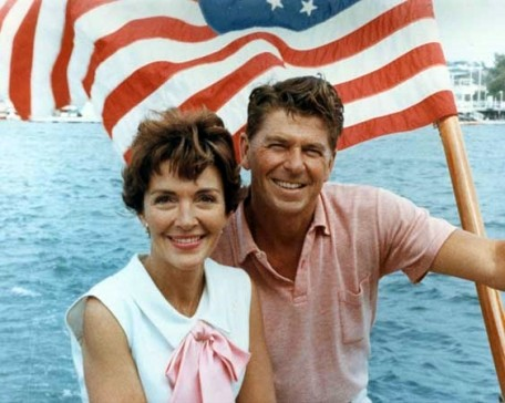 The most beautiful couple of American history? Nancy and Ronald Reagan before to be at the White House were in California where he was Governor after being President of the Screen Actors Guild.