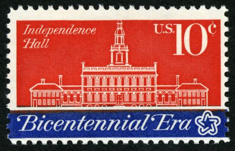1280px-American_Revolution_Bicentennial_Independence_Hall_10c_1974_issue_U.S._stamp