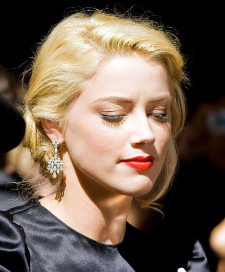 800px-Amber_Heard_at_TIFF_2009